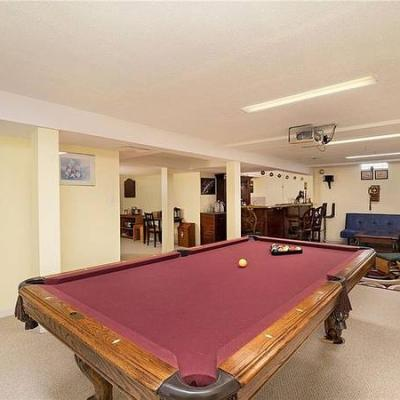 Red Felt 8ft. Pool Table